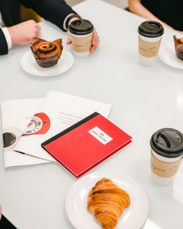 In the midst of a busy fall real estate market, we at Resident Experts make sure we are prepared in our team meetings with coffees and notebooks in hand! Our current go to has to be @angust_vancouver - if you happen to try their cinnamon bun and croissants you will not be disappointed! What is your favorite go-to coffee spot?