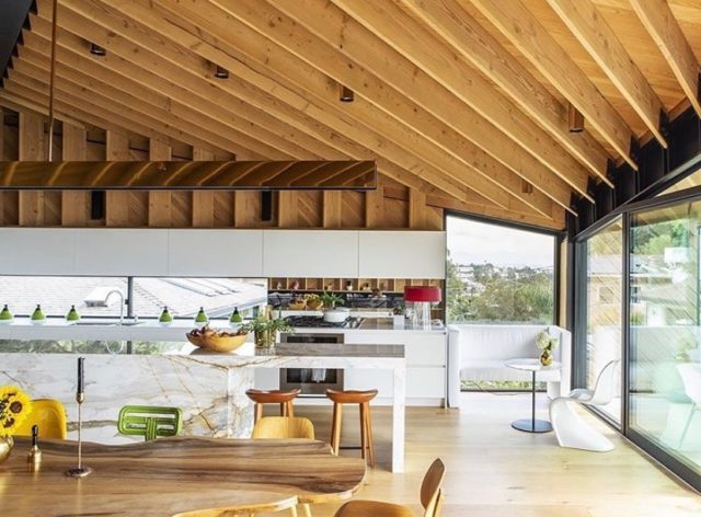 """While local is our speciality, our experts can't help but swoon for gorgeous properties near and far!  @adriennelkenny draws inspiration from homes worldwide - and in this case, Los Angeles. """"A modern take on post and beam while keeping a West Coast modern vibe. This piece of artwork also happens to be a home with tons of warmth. Design at its finest!"""" Photo: @dwellmagazine #TheResidentExperts"""